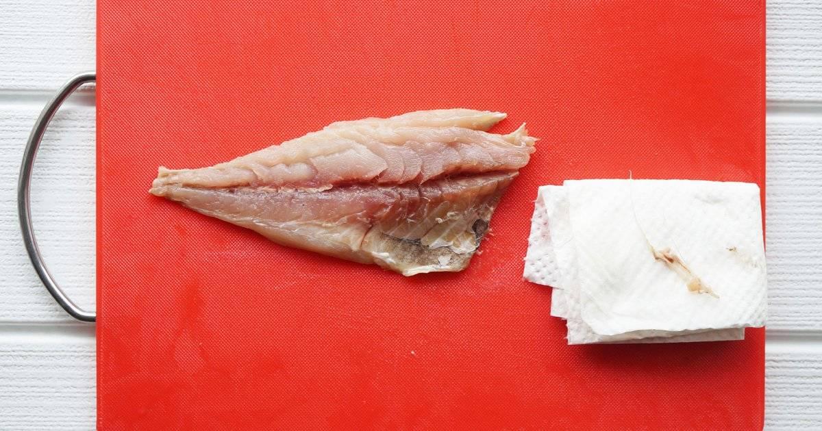 【SNSで話題】実は命に関わる危険性も!魚の骨がのどに刺さった時の正しい対処法とは