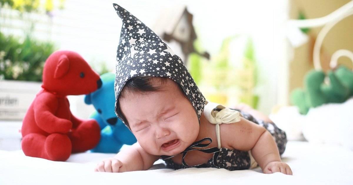 """【助産師が解説】赤ちゃんが泣く理由と対処法。""""赤ちゃんのトリセツ""""はパパママがつくるもの"""