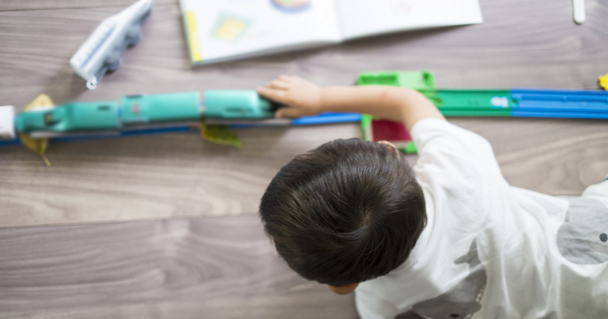 【子どもあるある】おもちゃの電池が切れると子どもが不機嫌に!家庭やおでかけ時に注意したい電池クライシス