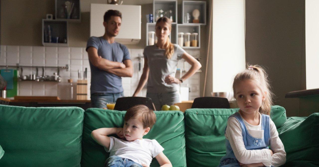 【兄弟喧嘩の対処法】親が怒るのは逆効果!兄弟姉妹が喧嘩した時、どう解決すればいい?