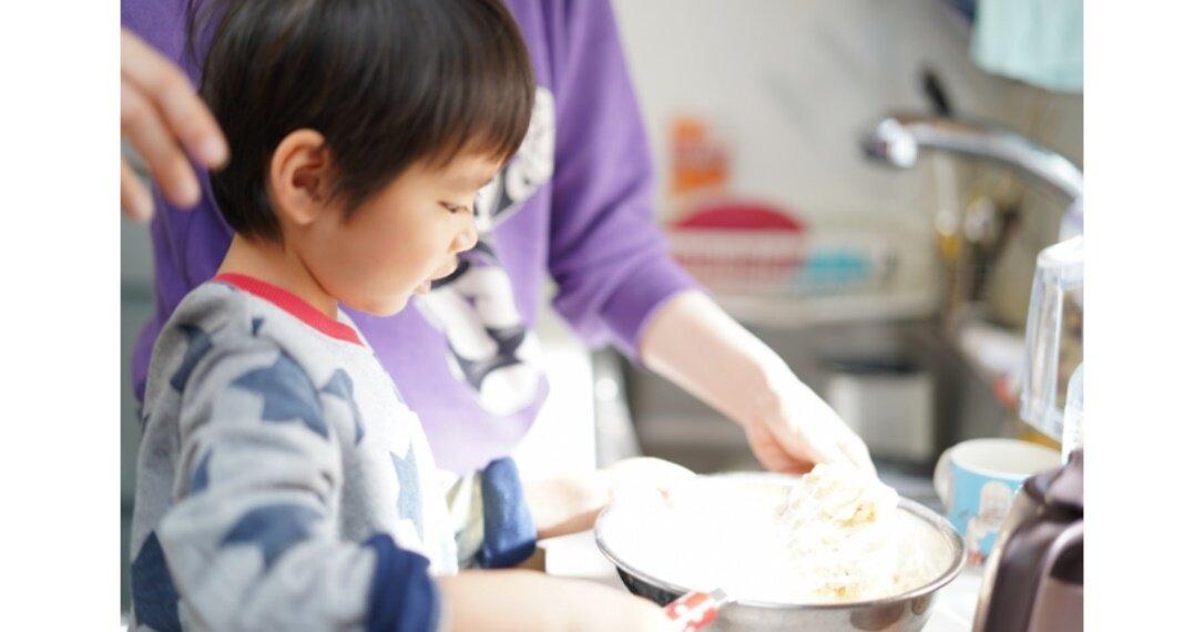 「親子料理」はメリットがたくさん!料理で育まれる子どものチカラとは?お手伝いさせるポイントとおすすめの料理