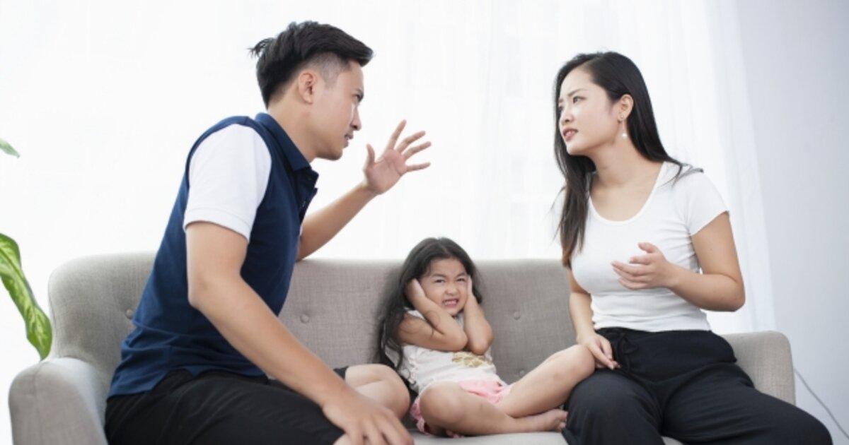 パパが叱るとママが不機嫌に?子どもを注意する時のポイント