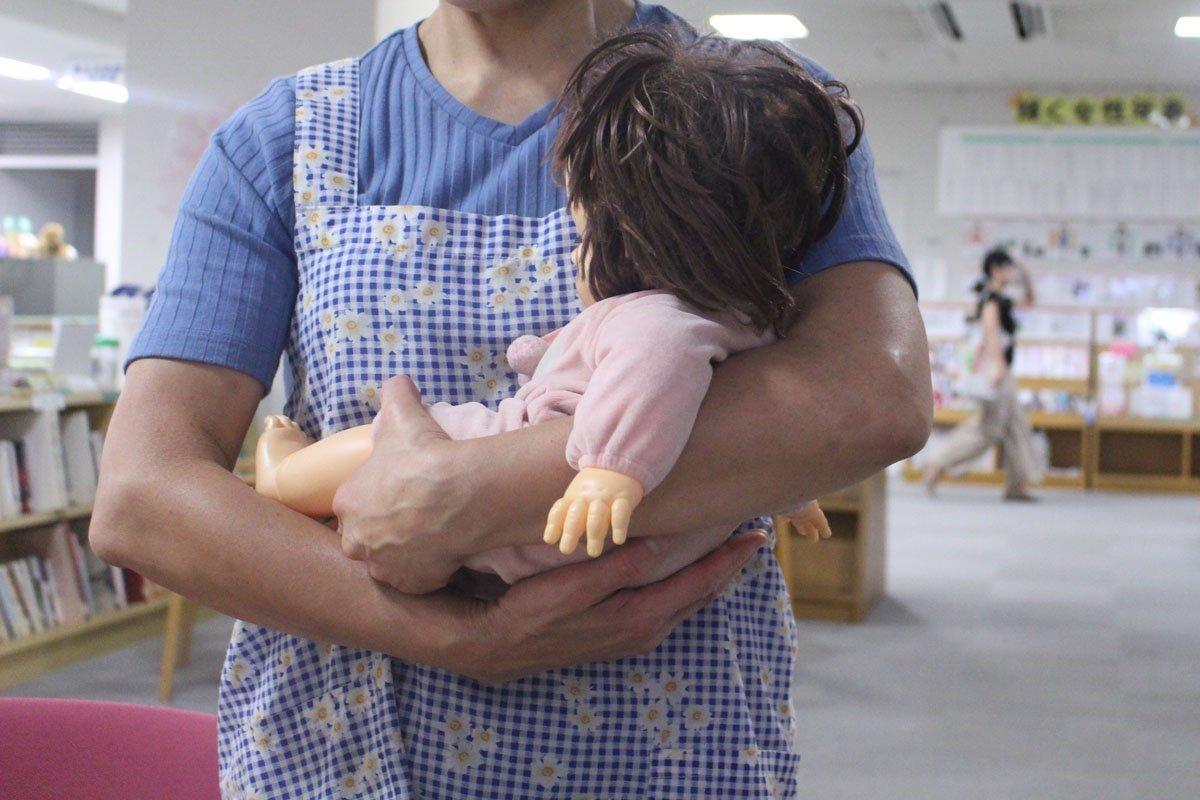 家men,赤ちゃん,泣く理由,泣き止ませる方法,抱っこ,まぁるい抱っこ