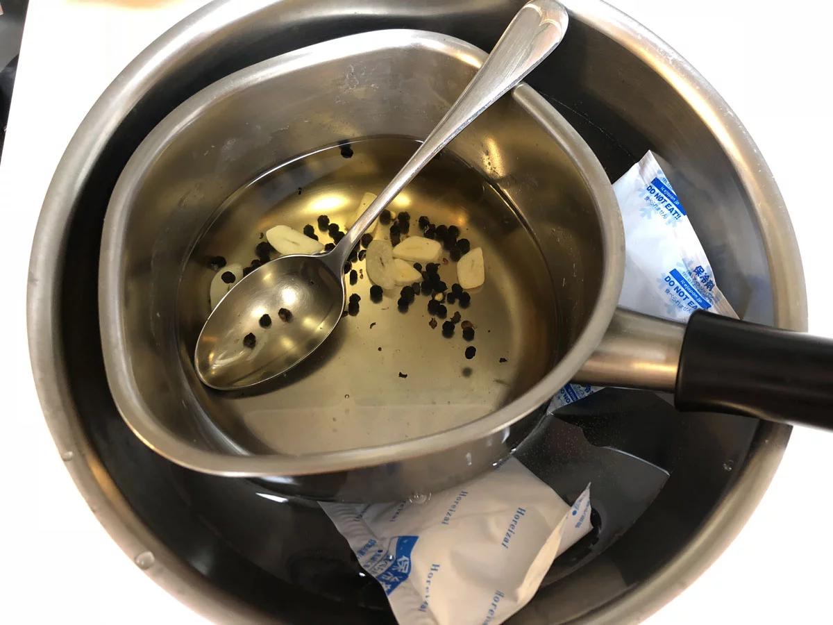 ベーコンの燻製,ソミュール液,氷で冷やす