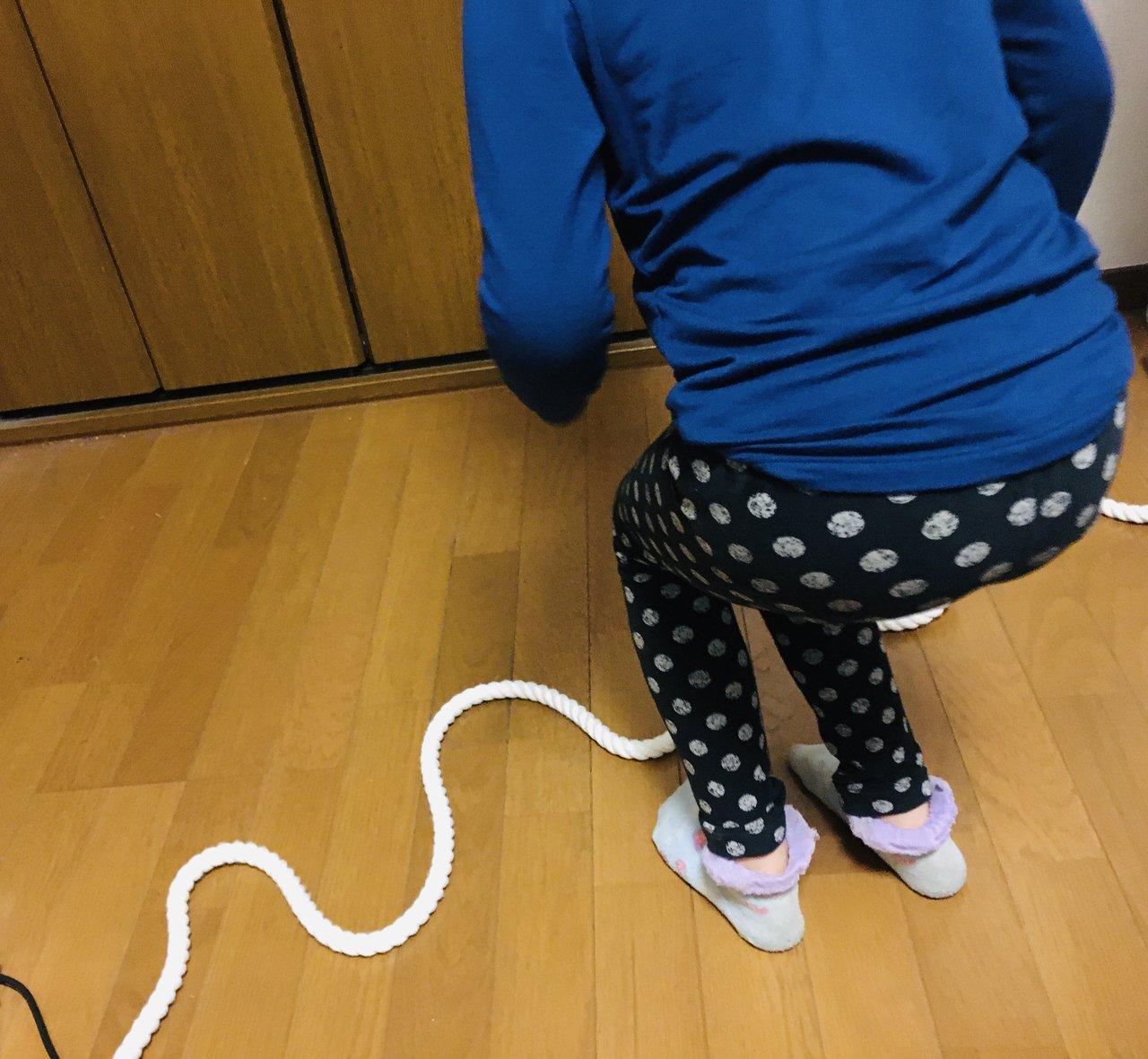 家men,3歳児,運動,にょろにょろロープジャンプ
