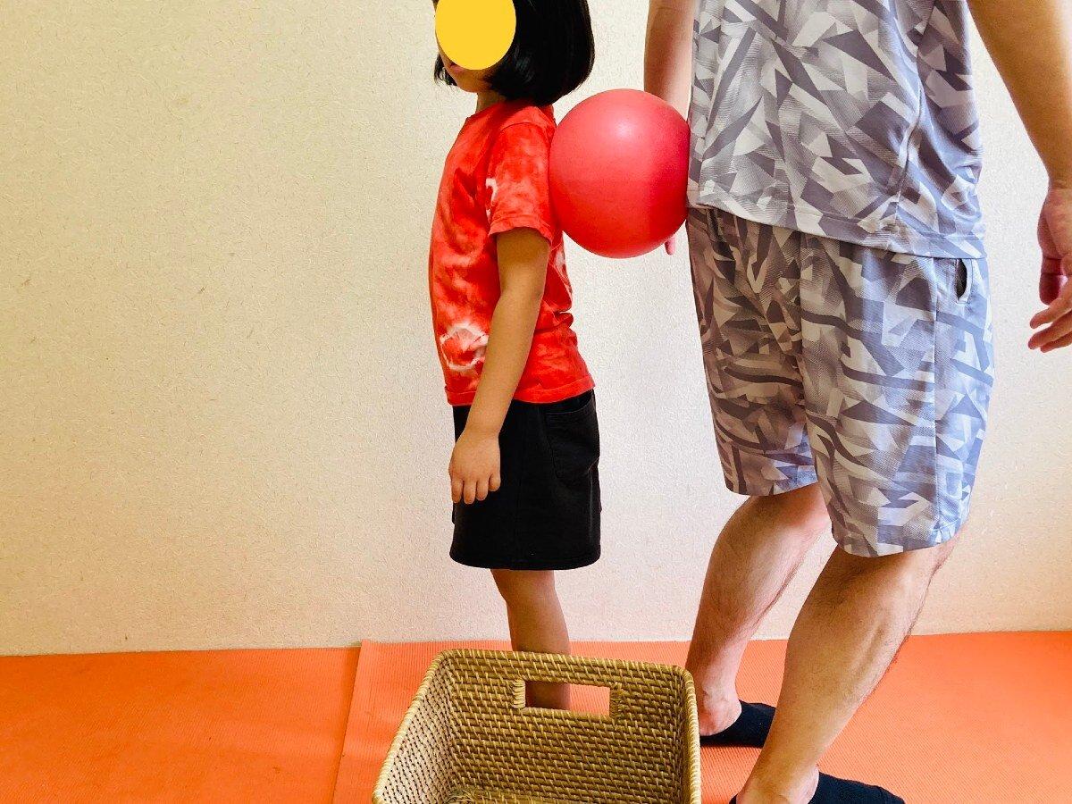 背中合わせウォーキング,親子ボール遊び