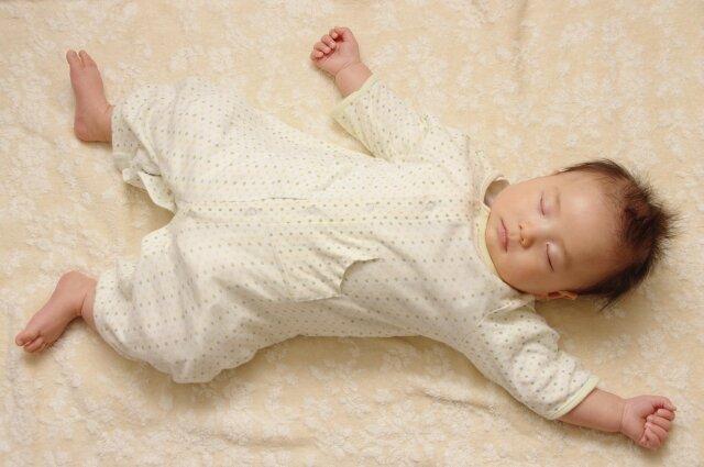 赤ちゃん,仰向け睡眠