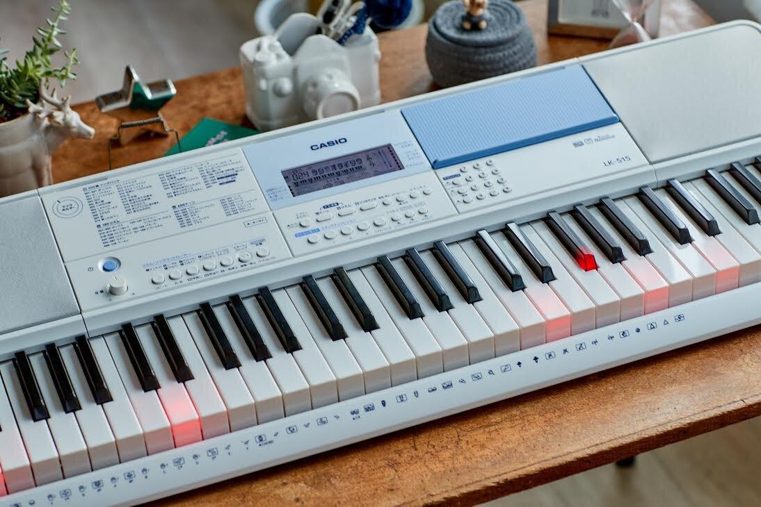 カシオ光ナビゲーションキーボードLK-515