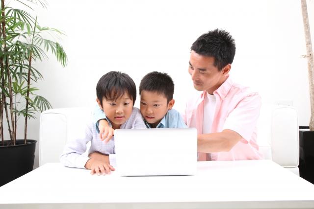 子ども,ネット,テクノロジー,学習,宿題,利用,効果,家men