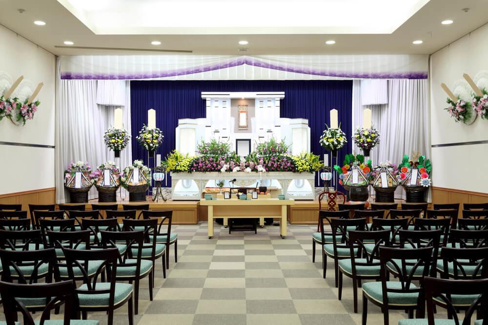友引の日に葬式が避けられる理由とは?臨終~納棺までの流れも紹介