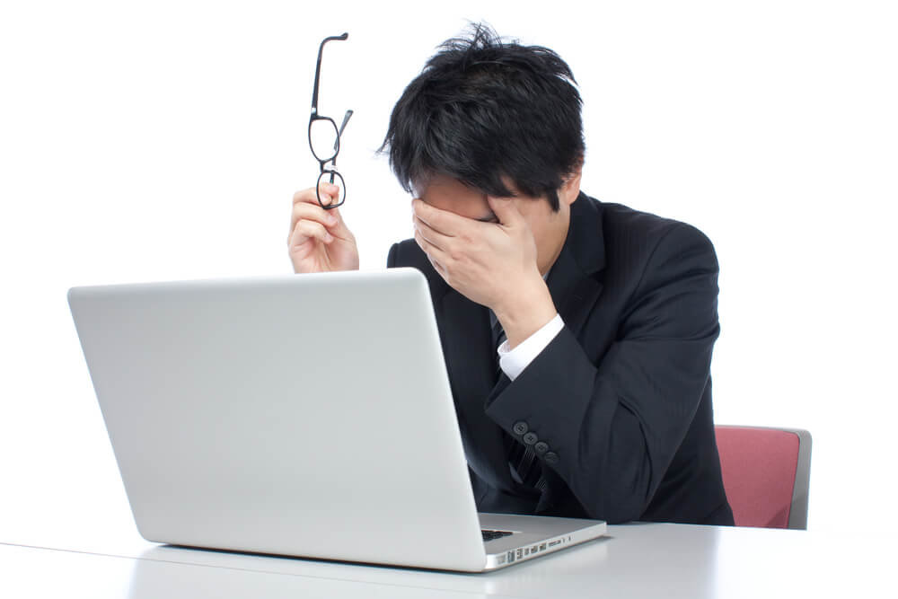 【身内に不幸】職場への連絡、結婚式や初詣、旅行の返金はどうする?