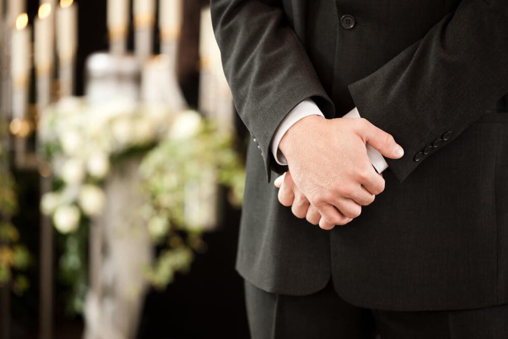 誰が喪主になるべき?葬儀での喪主の役割や注意点を解説