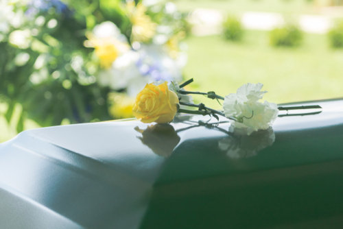 納棺の儀の流れとは?副葬品や参列者の服装も解説