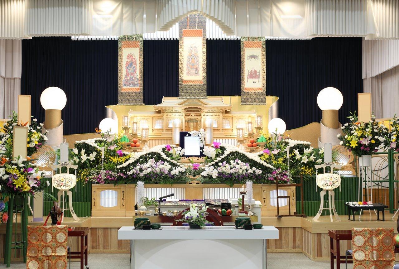 一日葬とはどんな葬儀形式?流れやメリットを解説
