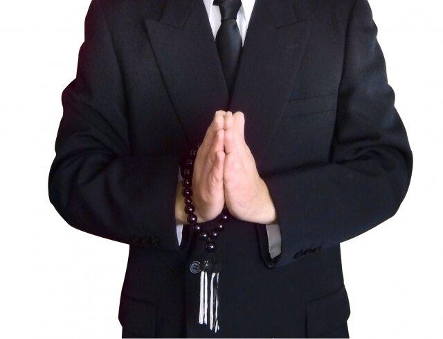 親族の葬儀を欠席しても大丈夫?連絡の仕方と香典の送り方