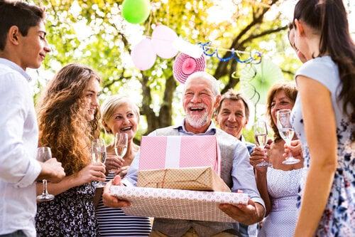 【長寿祝いの種類】還暦の次は何?それぞれの呼び方にはこんな意味があった