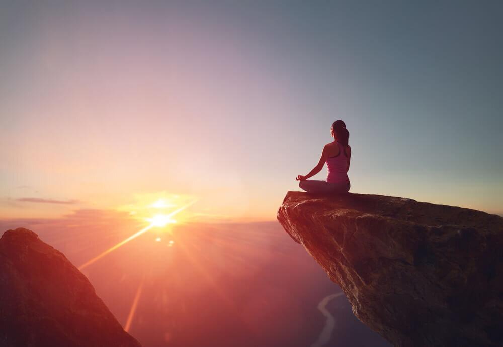 マインドフルネスの意味や瞑想法。今ここに生きるために