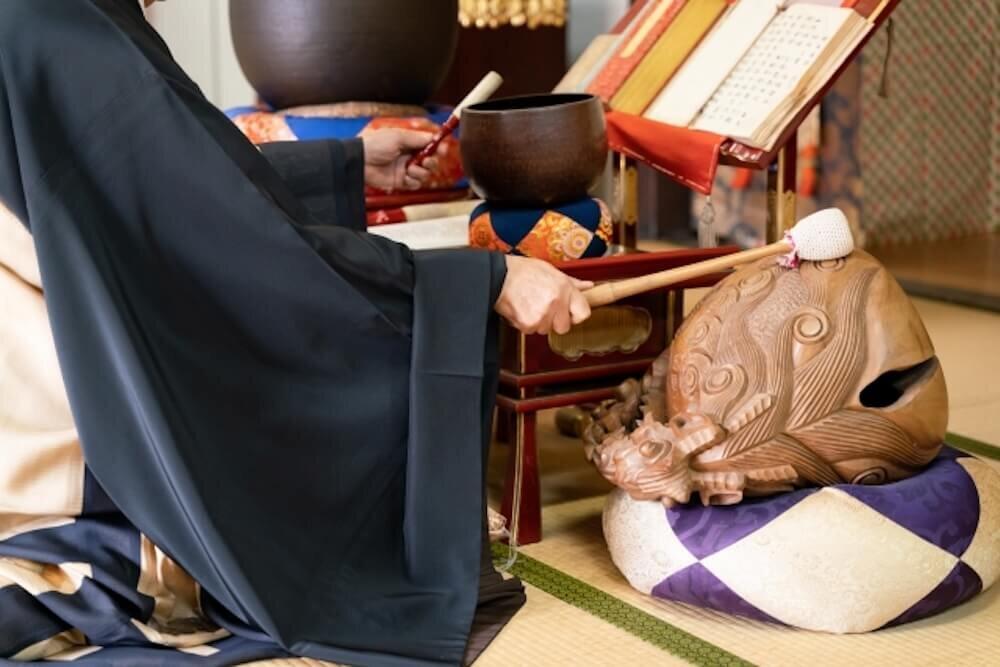 「南無阿弥陀仏」は感謝を唱える念仏。意味と読み方とは