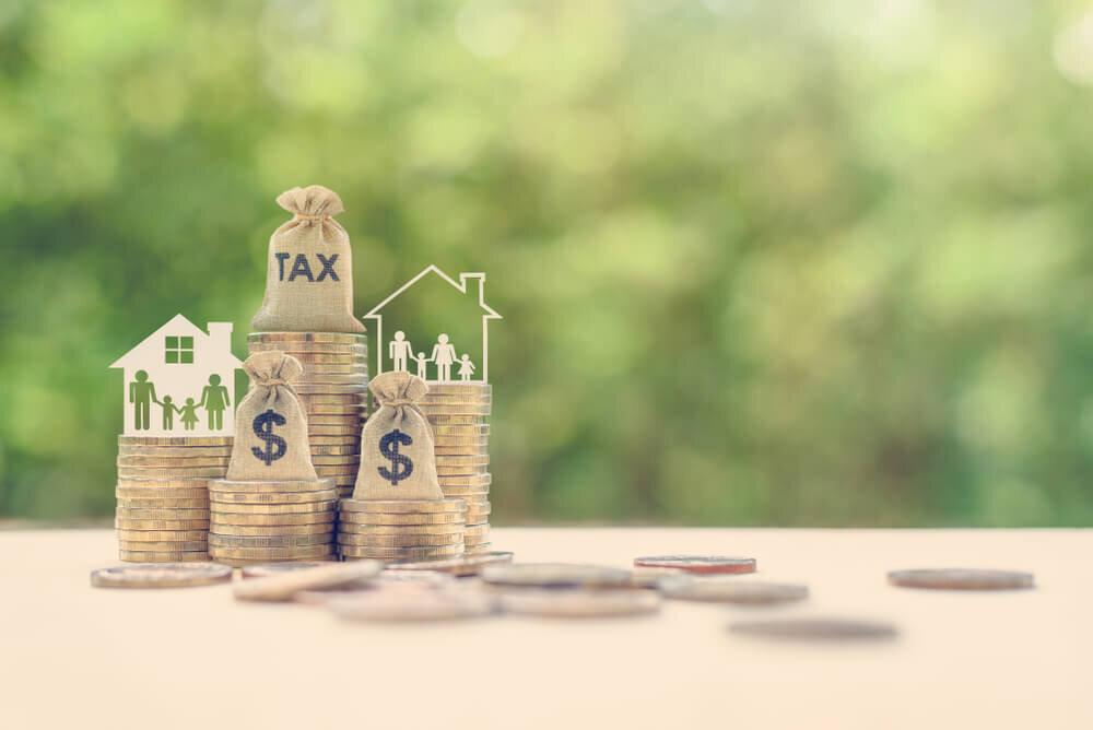 存命中に財産を贈る生前贈与とは。節税対策の4大ポイント