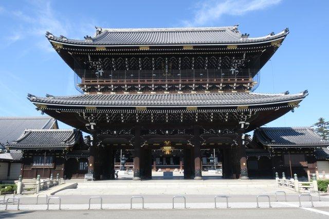 東本願寺の正面