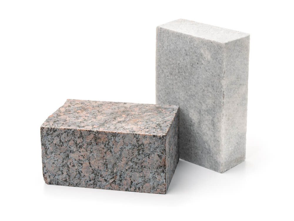 並んだ石材