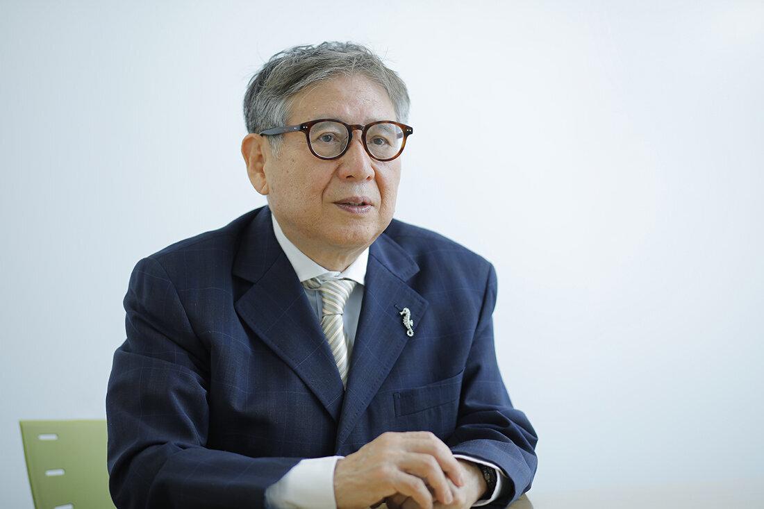 インタビューに答える森田正光さん