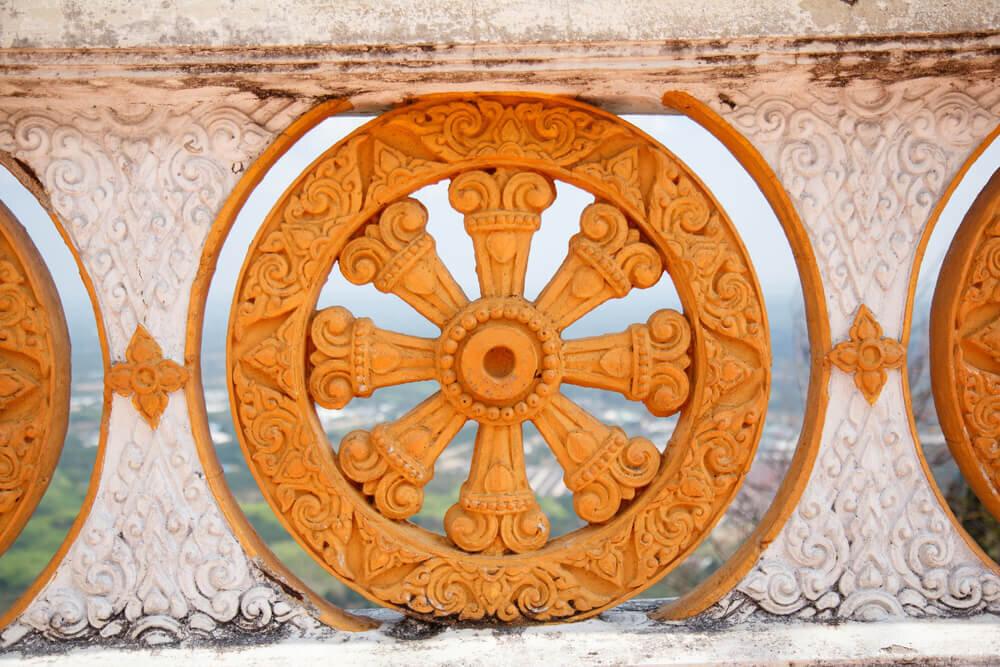 生まれ変わりを意味するサムサラの車輪