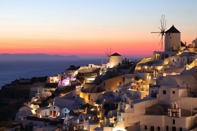 サントリーニ島の街イアの夕焼け