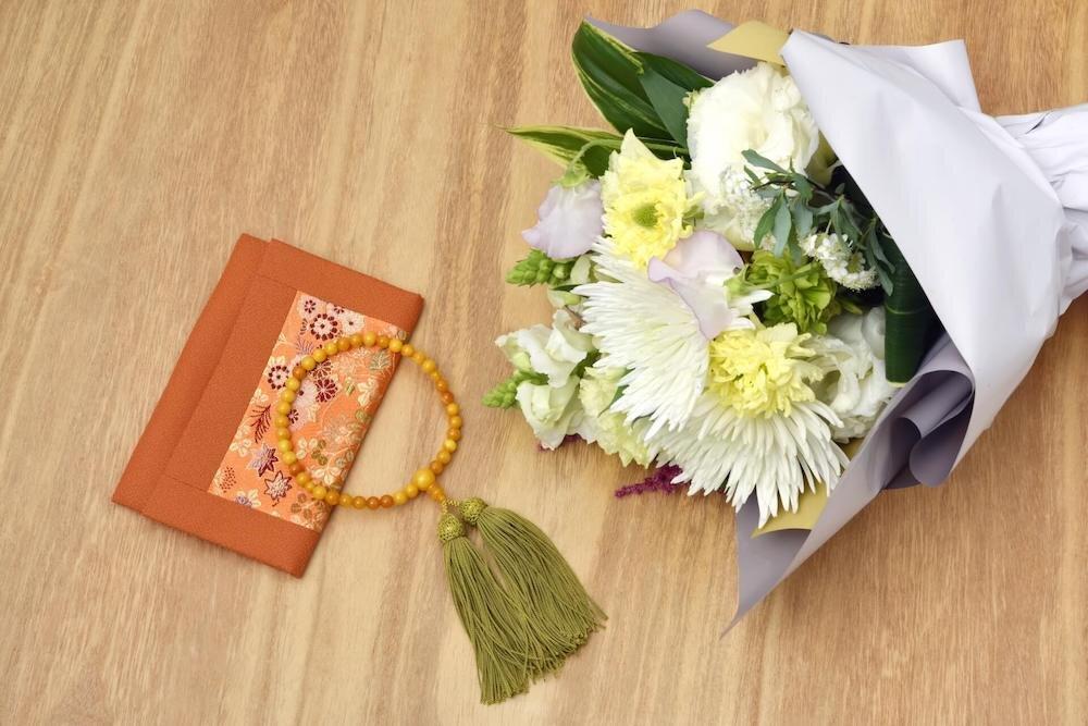 数珠と仏花