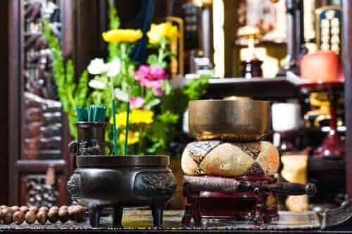 仏具が揃った仏壇
