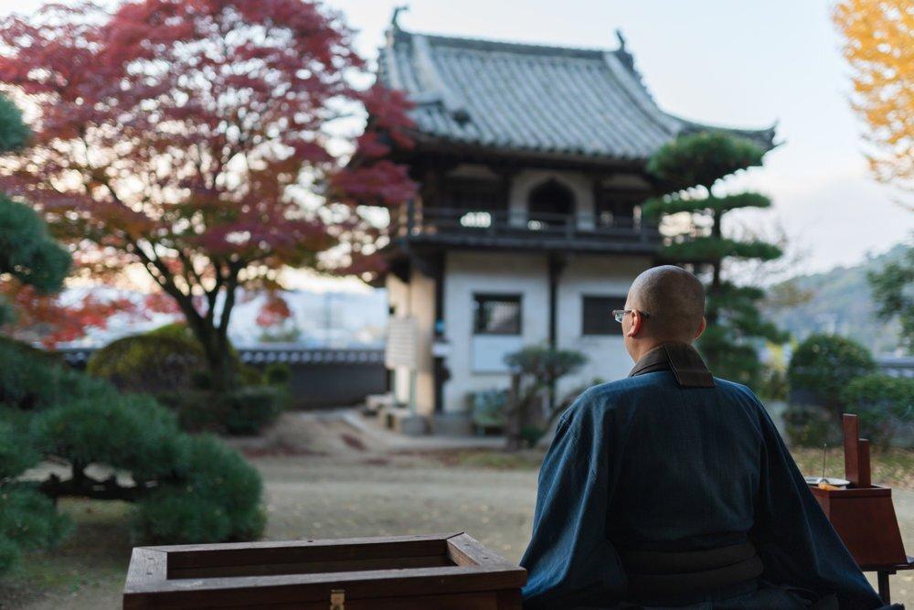 仏教各宗派の由来や特徴・葬儀のマナーの違いを解説 - Coeurlien