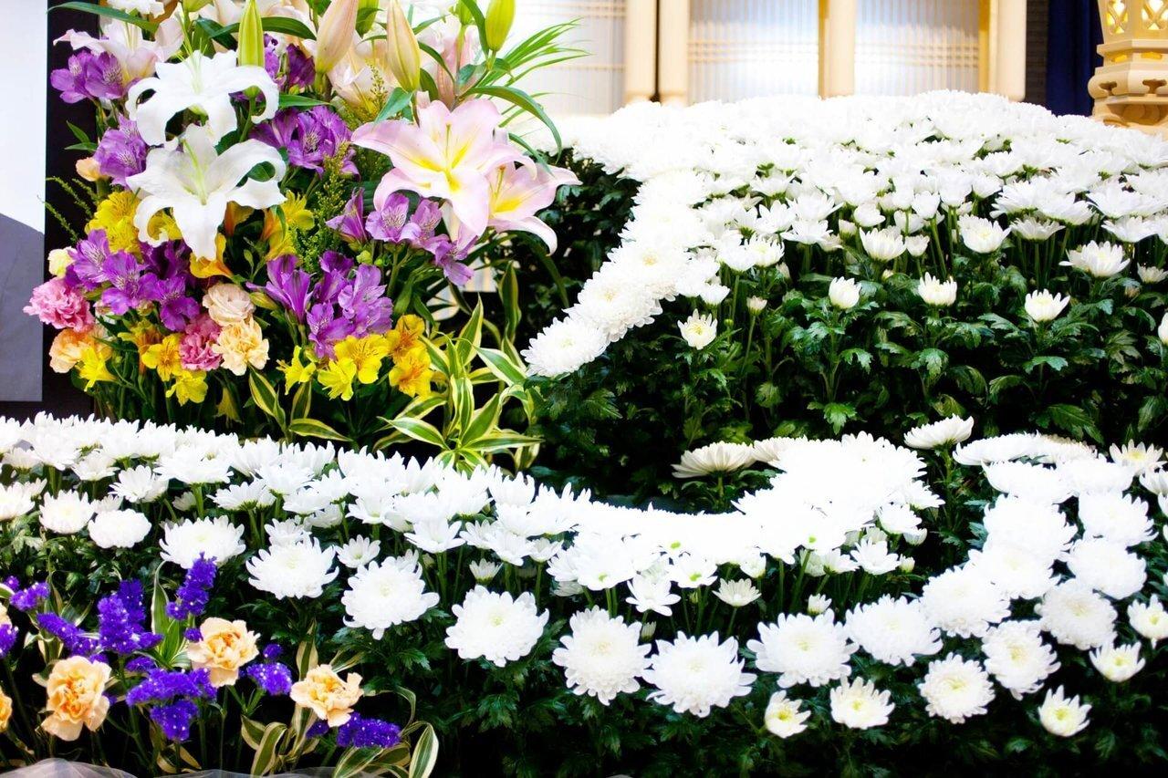 告別式の参列マナーは?遺族側の準備も紹介 - 家族葬のファミーユ【Coeurlien】
