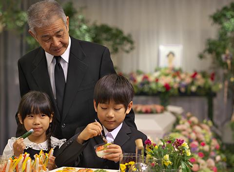 通夜振る舞いのマナー - 家族葬のファミーユ【Coeurlien】
