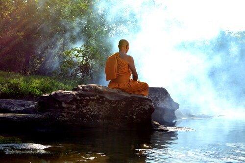 最澄(さいちょう)は天台宗の開祖。~彼の生涯や日本に与えた影響とは~ - 家族葬のファミーユ【Coeurlien】