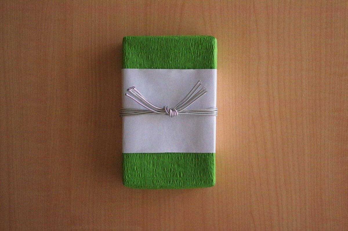 香典返しのマナーとは。贈るタイミングや品物選びのポイント - 家族葬のファミーユ【Coeurlien】