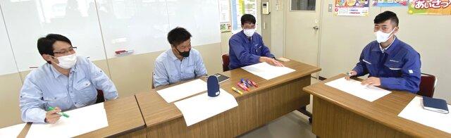 (左から小林さん、福井さん、深江さん、加藤さん)