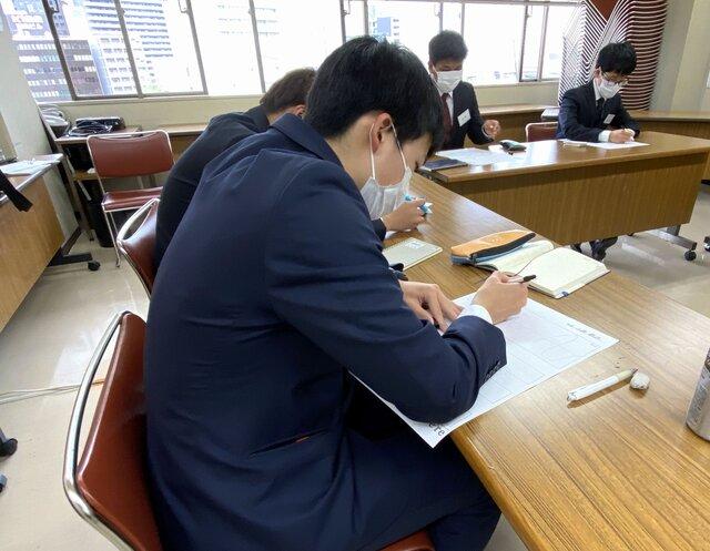 (モチベーション曲線も鉛筆で下書きを書く方もいれば、...