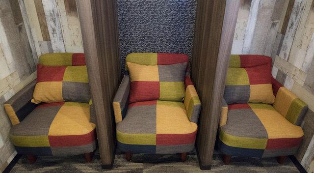 ソーシャルディスタンス設計の待合室を順次導入いたします