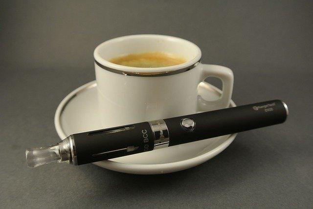 初めて電子タバコを買いたい人に向けて、おすすめの種類などをレクチャー