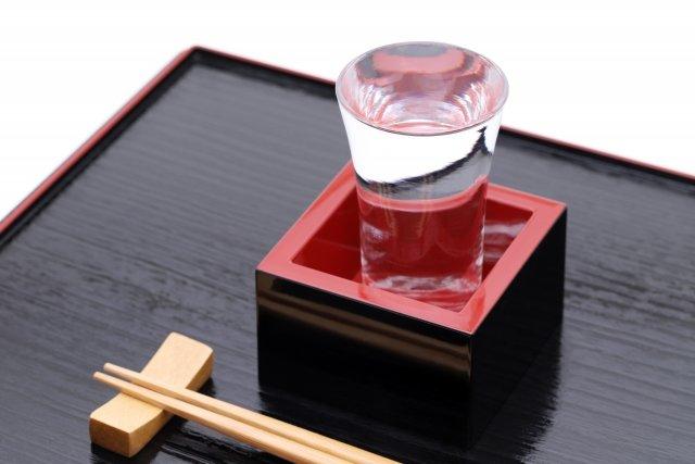 【はじめての日本酒】和食にはもちろん、実は洋食にも合う、はじめて選ぶ「日本酒」はどれを飲む?