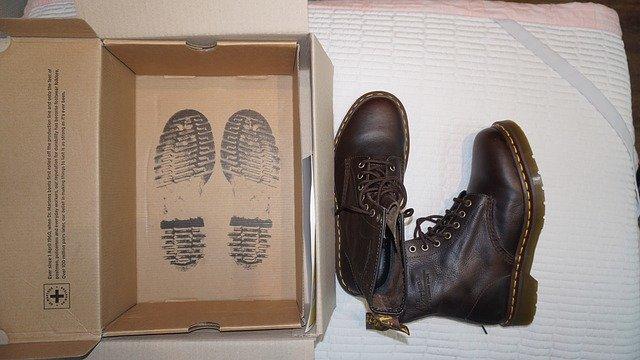 【はじめてのドクターマーチン】ブーツ初心者から愛好家まで幅広い人気のドクターマーチンを買う前に