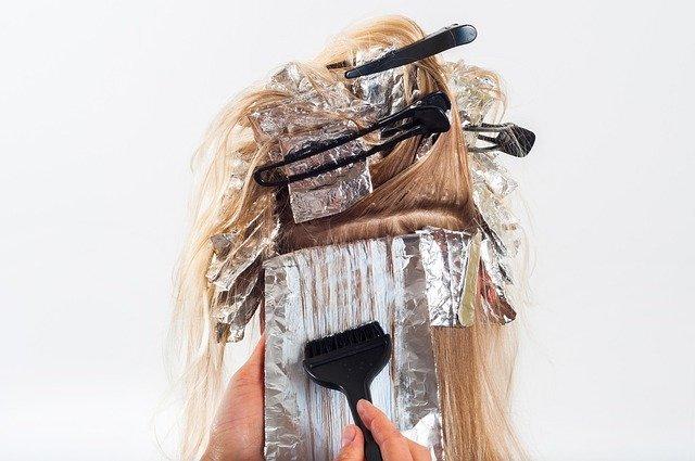【はじめてのヘアカラー】髪の色をカラーチェンジでイメージが変わる!ヘアカラーをする前に