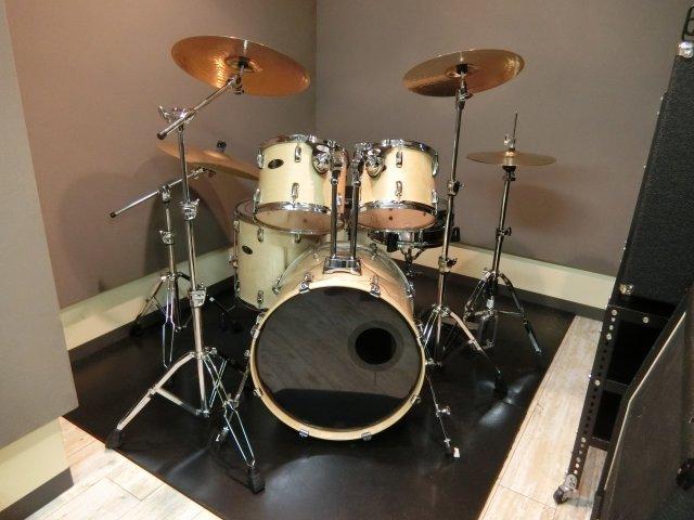 【はじめてのドラム】ドラムを始めるなら今!ビートを刻んで楽しく右脳と左脳を養おう!