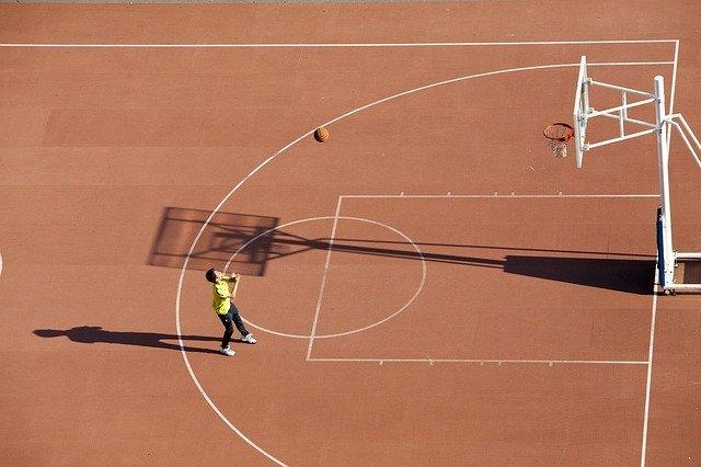 【はじめてのバスケットボール】将来はNBA選手!初めての習い事にもお勧めバスケット教室について!