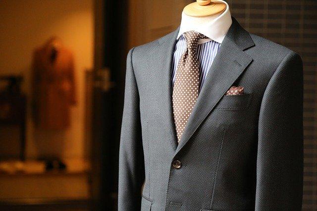 【はじめてのスーツ】社会人デビューに華を添える!初めてのスーツ選びに必要な知識!