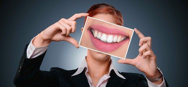 【はじめてのホワイトニング】ホワイトニングで白い歯を手に入れよう!
