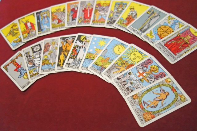 タロット占いをはじめてみよう!自分の未来もタロットカードで見てみよう!