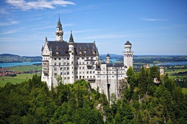 ドイツに行きたい!初めて自分でドイツ語を学んでみたい方に向けて