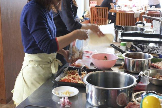 はじめて料理教室に行くなら、初心者でも安心して通える料理教室の選び方