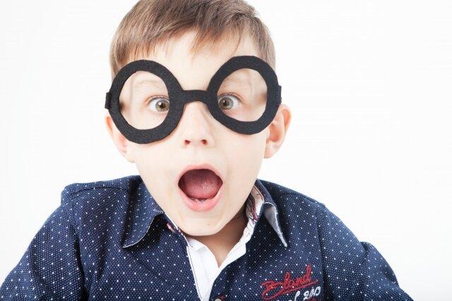 お子さんのメガネデビューに向けて!はじめてのメガネ選び!